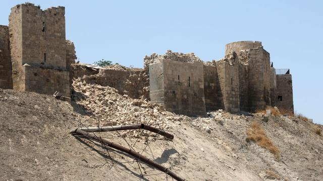 Citadel van Aleppo deels ingestort na explosie