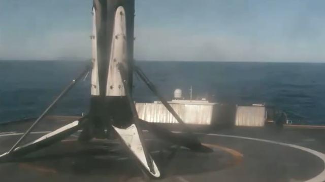 Raket van SpaceX voor de tweede keer hergebruikt en geland