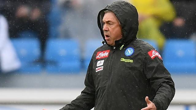 Napoli-coach Ancelotti woest over trage verbouwing van kleedkamers