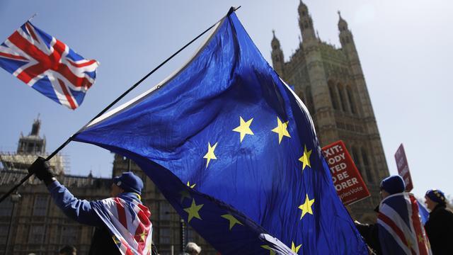 EU houdt 'Brexit-pauze tot er iets gebeurt in Londen'