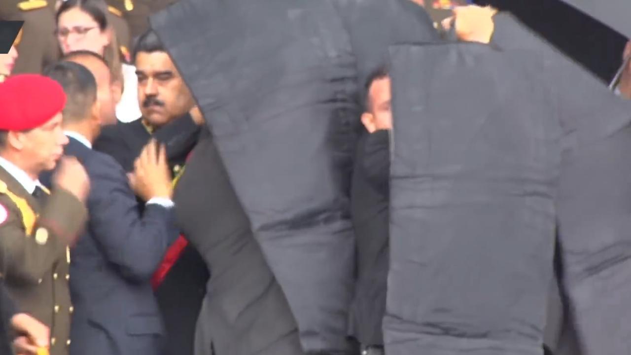 Bodyguards beschermen Maduro tijdens droneaanslag