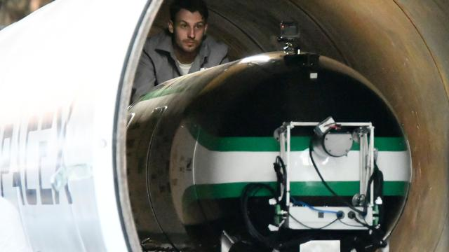 Hyperloop-capsule van Tesla gaat 355 kilometer per uur tijdens testrit