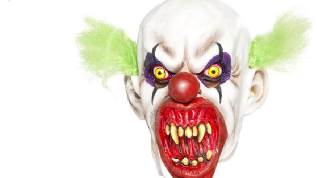 Politie Almere doet onderzoek naar clown met mes