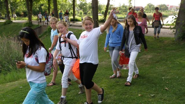 CDA wil verhard wandelpad achter basisschool Vondel