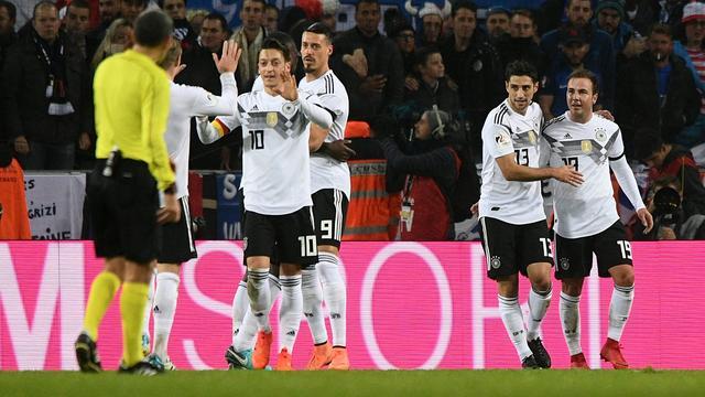 Duitsland in blessuretijd naast Frankrijk, Lukaku alleen Belgisch topscorer