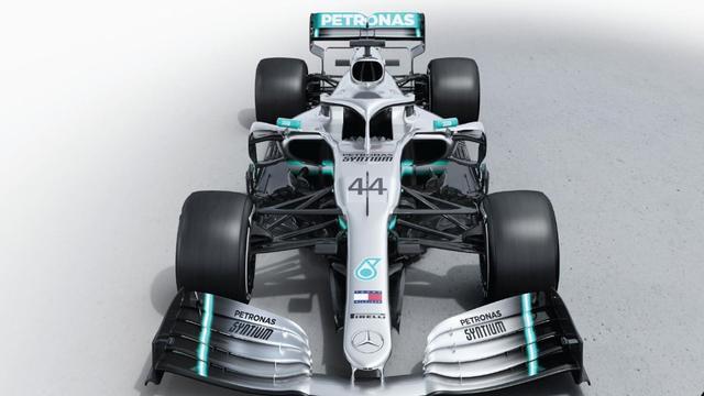 Mercedes begint met geheel vernieuwde motor aan Formule 1-seizoen