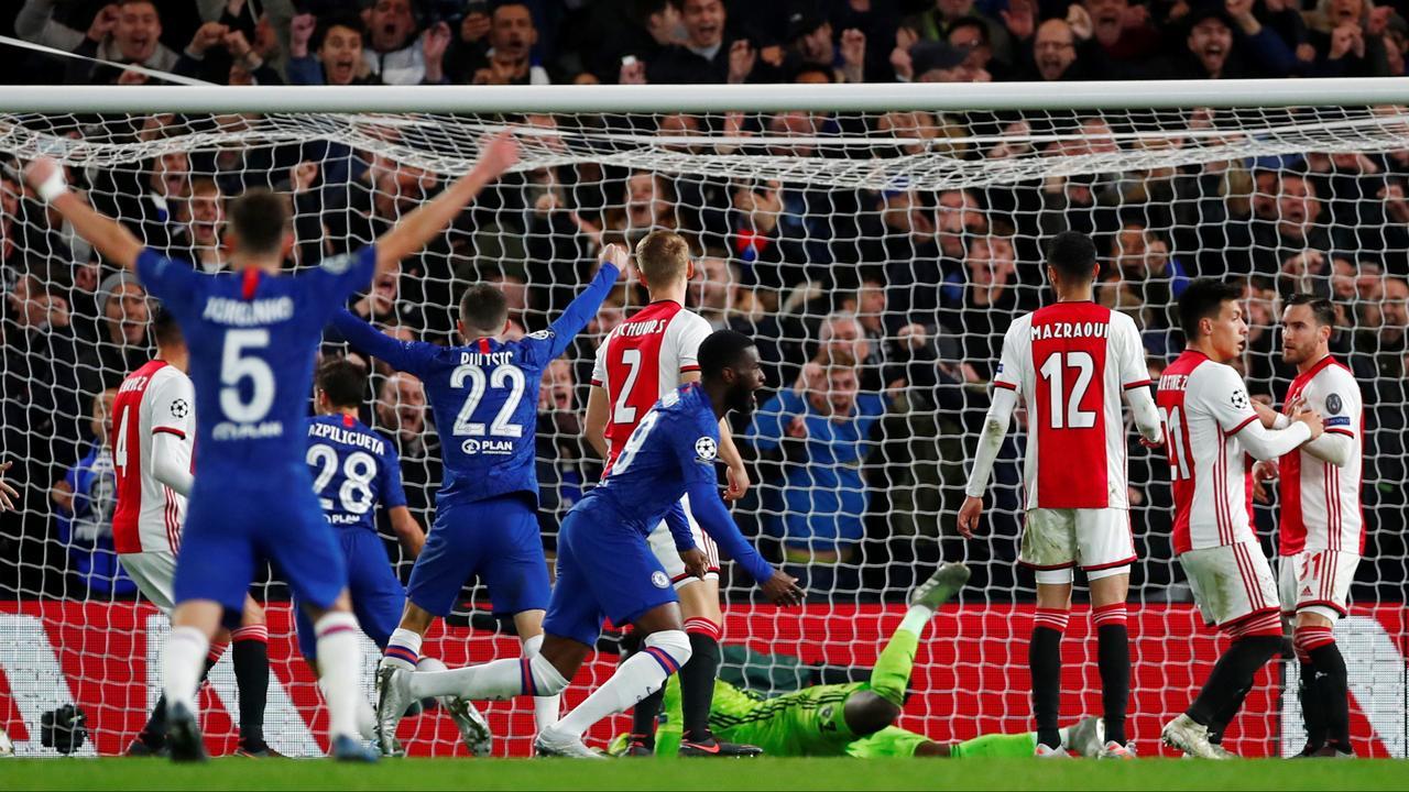 Samenvatting bizar duel Chelsea-Ajax (4-4)