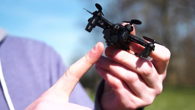 Prul of Praal? Piepkleine cameradrone van 30 euro