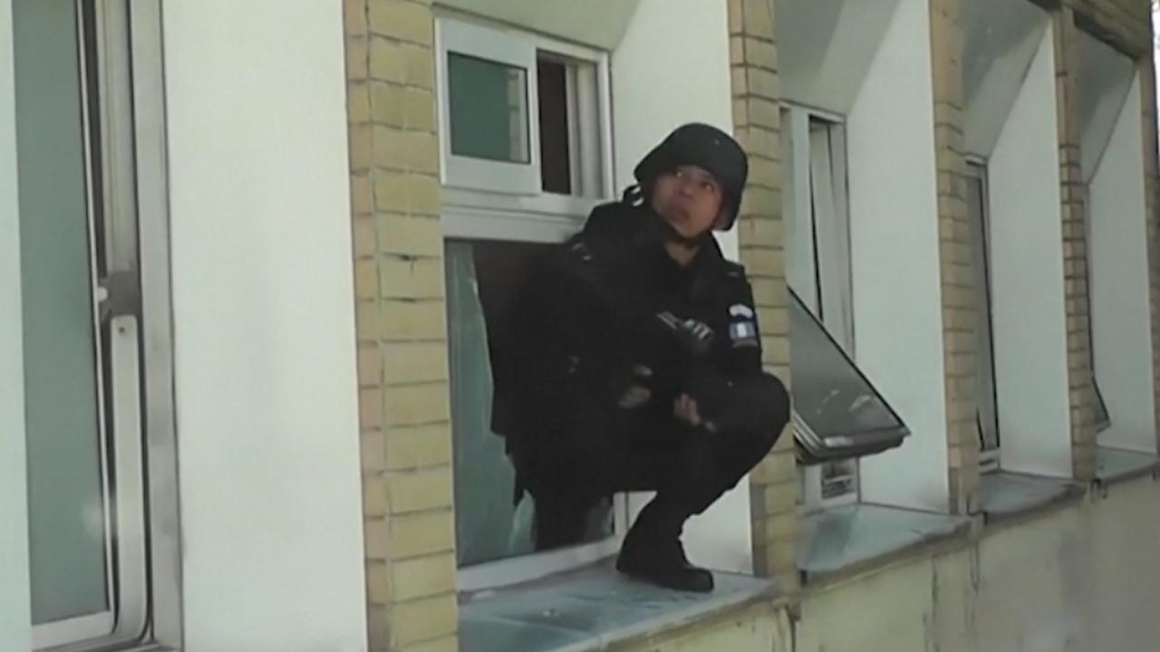 Politie Guatemala valt ziekenhuis binnen op zoek naar bendeleden