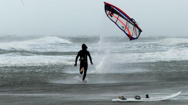 Onstuimig weer met zware windstoten zaterdag in Zeeland