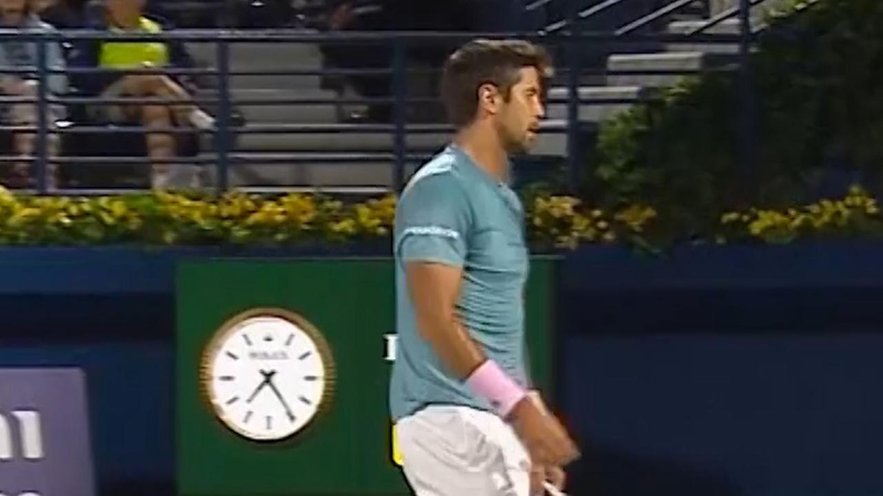 Verdasco gaat in Dubai tegen Federer volledig mist in met service