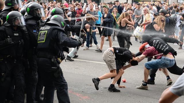 Duitse justitie verstrekt lijst met verdachten van rellen G20 in Hamburg