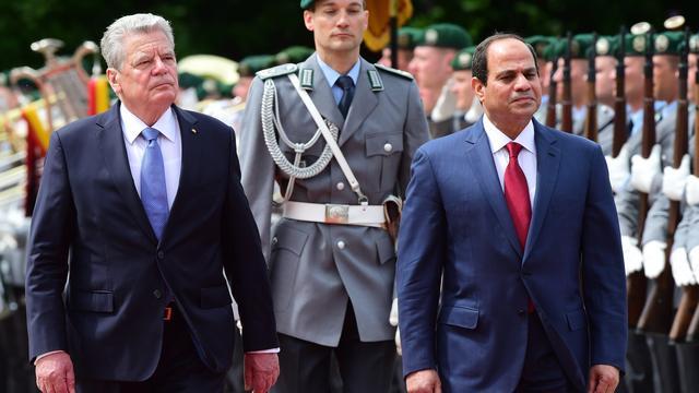 Duitsland verwelkomt Egyptische president Sisi met militaire eer