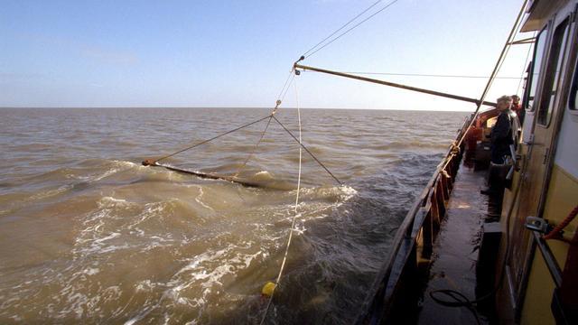 Jaarlijks 1.250 kilometer visnet in Europese wateren