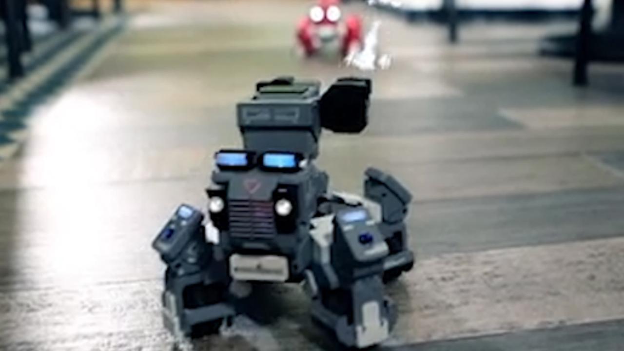 Gamerobots vechten tegen elkaar in augmented reality