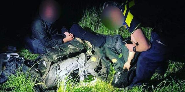 Groningse politie rukt uit voor 'voortvluchtige militair' die hiker blijkt