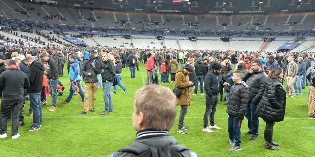 Explosies aanslagen Parijs hoorbaar in stadion tijdens Frankrijk-Duitsland