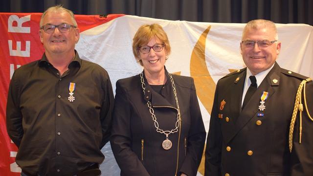 Koninklijk lintje voor twee brandweerlieden