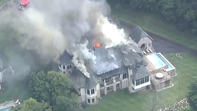 Huis van ruim 3 miljoen euro brandt af in Kentucky