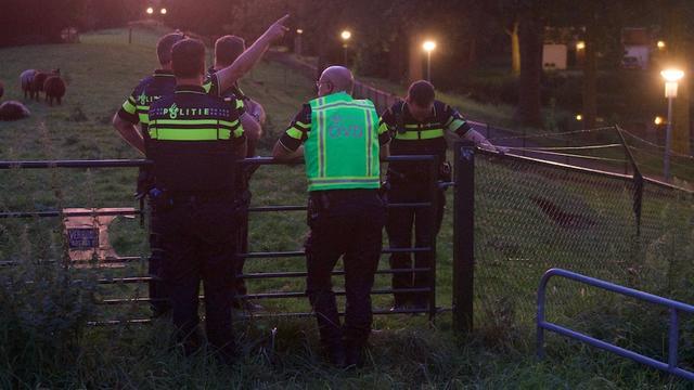 Gemeente Alphen meldt dat er niks aan de hand is met scheur Dijkslootpad