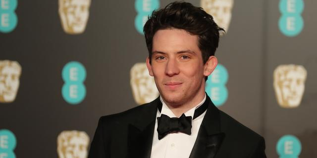 Josh O'Connor speelt prins Charles in The Crown
