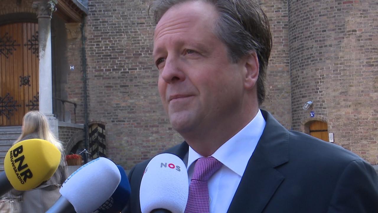 D66-leider Pechtold ziet dat er stappen gemaakt worden bij formatie