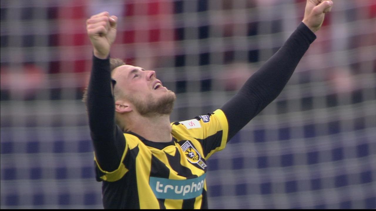 Van Wolfswinkel beslist bekerfinale met tweede goal