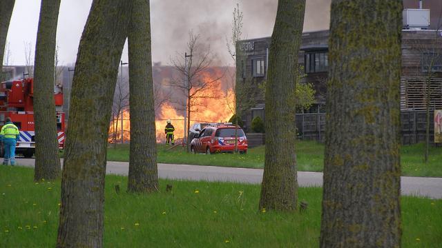 Grote brand bij Palletcentrale in Klundert