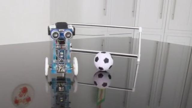 Minirobots op twee wielen houden zichzelf in balans