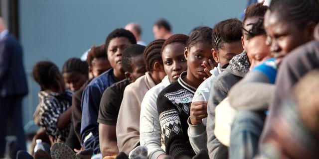 Griekse eilanden overspoeld met vluchtelingen