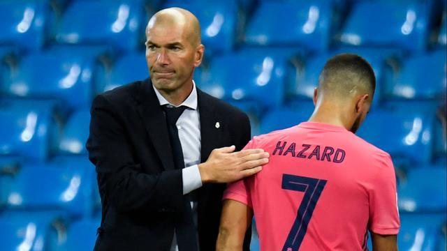 Trainer Zinédine Zidane wil de blessuregevoelige Eden Hazard rustig brengen.