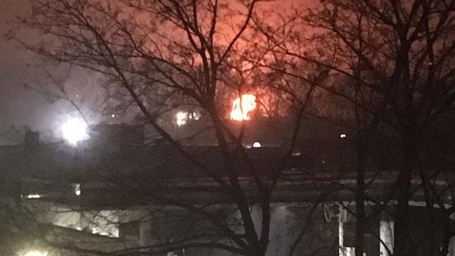 Grote brand in Baarns garagebedrijf