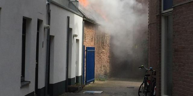 Brand in schuur en restaurant stadscentrum Roosendaal los ontstaan