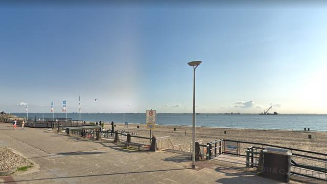 Nieuw zand voor stranden in Vlissingen