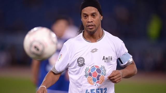 Ronaldinho overweegt duels te gaan spelen voor Chapecoense