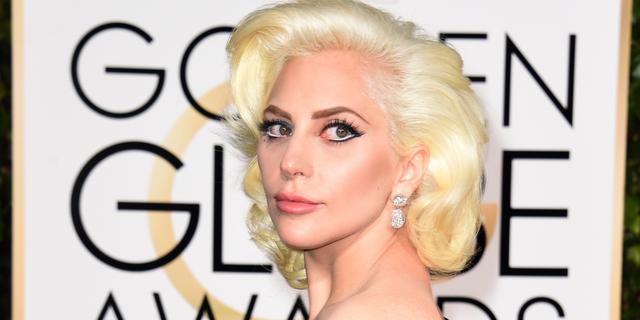Lady Gaga mist band met gewone mensen