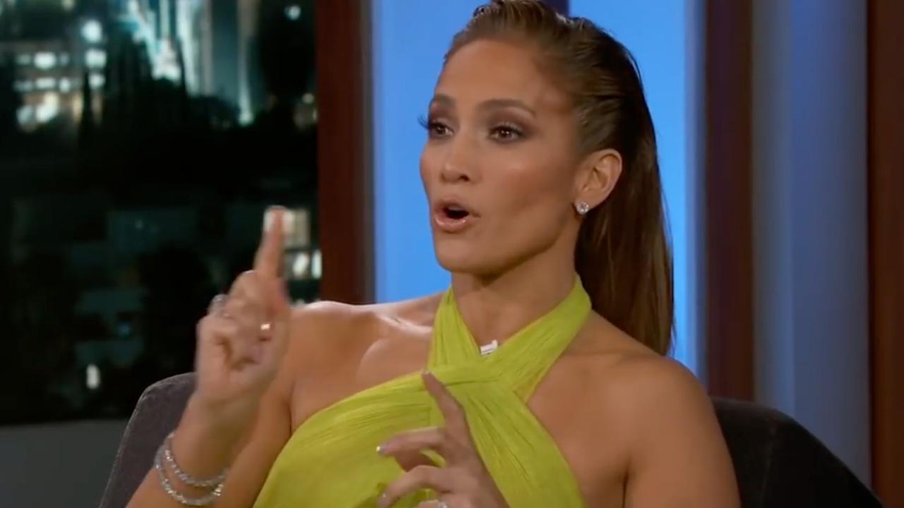 Jennifer Lopez klaagt over blauwe plekken door paaldansles