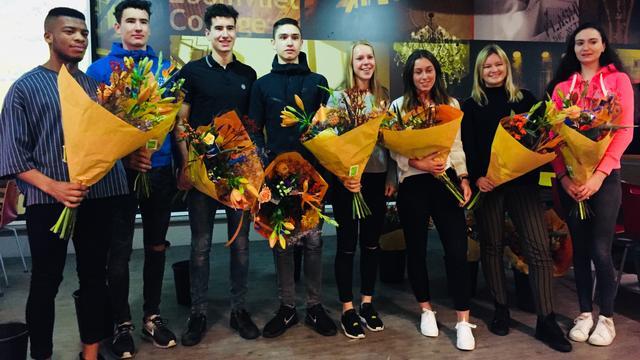 Sportieve studenten gehuldigd bij Galerij der Kampioenen