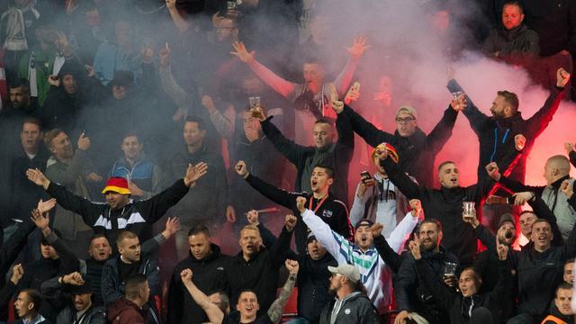 Duitse bond krijgt boete van 36.000 euro voor nazileuzen fans in Praag
