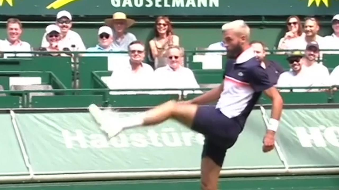 Paire voetbalt met Tsonga na verlies van tennisracket in Halle