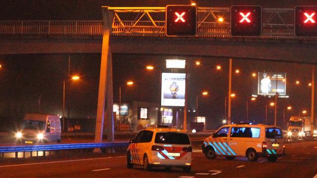 A12 bij Utrecht tijdelijk dicht om incident bij fietsbrug