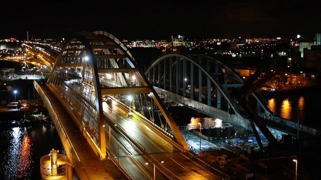 Waterstand Amsterdam-Rijnkanaal te laag om nieuwe brug te plaatsen