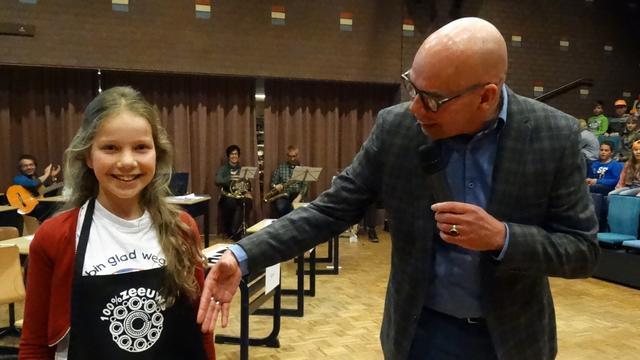 Koningin Julianaschool opnieuw winnaar Jeugddictee der Thoolse taal