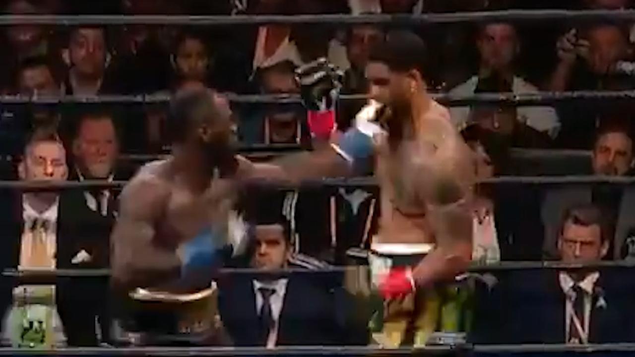 Bokser Wilder slaat tegenstander al in eerste ronde knock-out