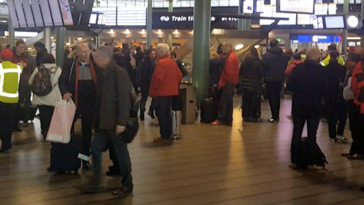 Treinverkeer rond Schiphol korte tijd stil door brandmeldingen