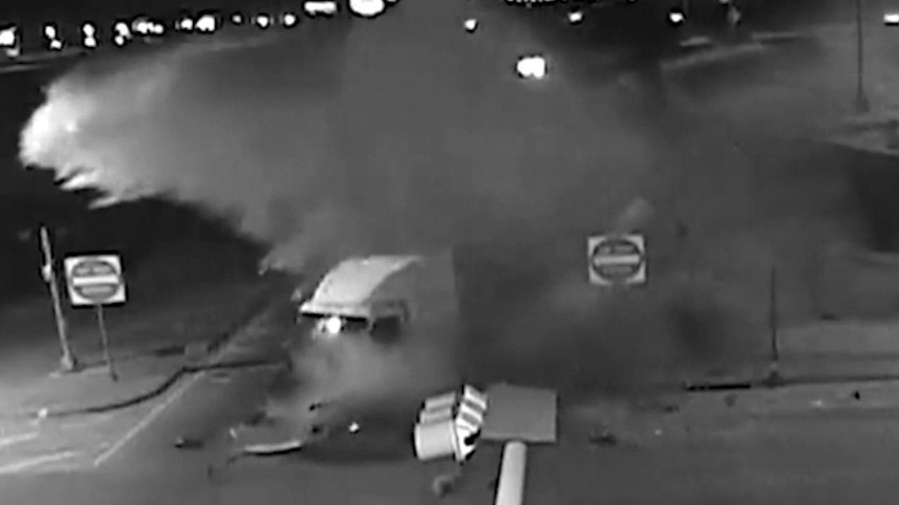 Melk spuit uit tankwagen na ongeluk in Texas