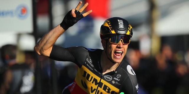 Van Aert dankt Teunissen na sprintzege: 'Hij bracht me in perfecte positie'