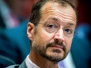 Overheid draait op voor de kosten, zegt Wiebes