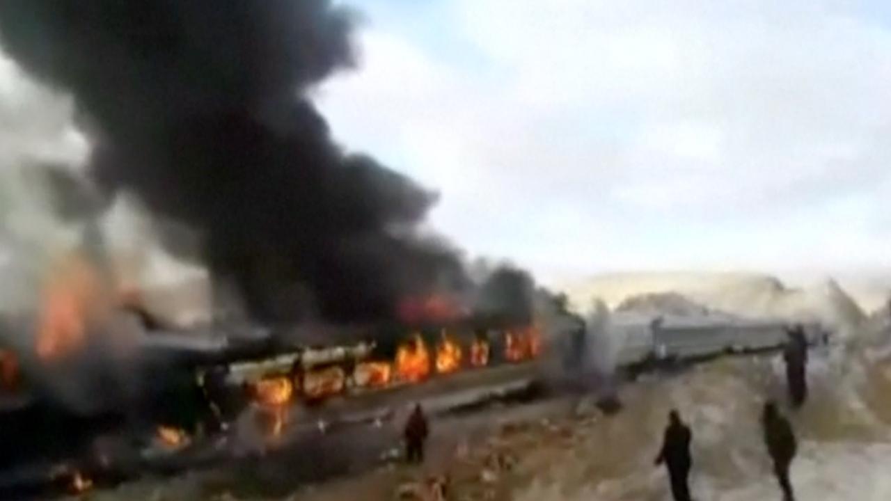 Tientallen doden bij botsing tussen twee treinen in Iran