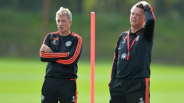 United-icoon Scholes vindt dat Van Gaal te verdedigend denkt